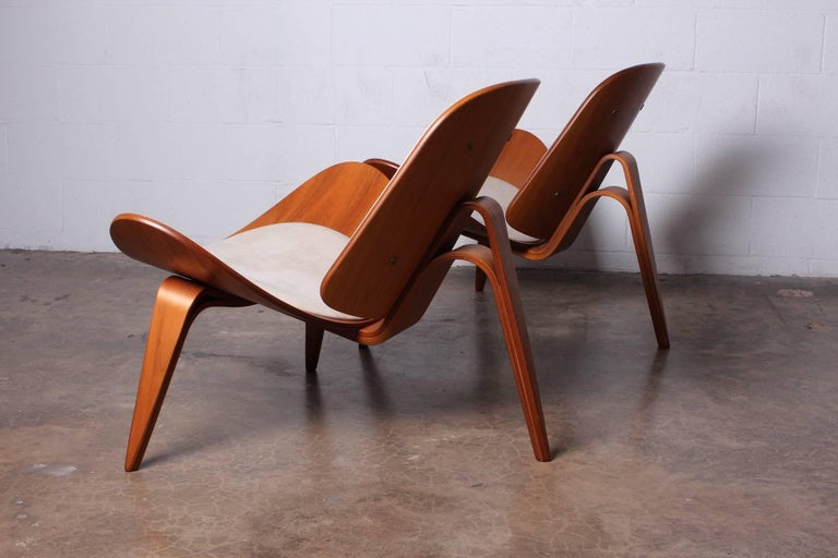 Pair of Shell Chairs by Hans Wegner For Sale 15