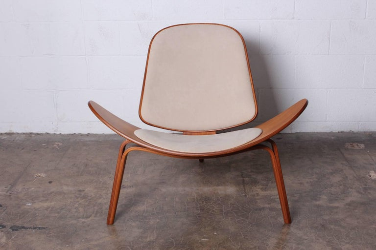 Pair of Shell Chairs by Hans Wegner In Excellent Condition For Sale In Dallas, TX