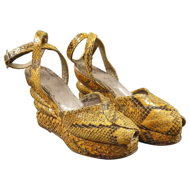 Pair of Shoes with Wedge Heelsin Snake Skin Circa 1940 For Sale