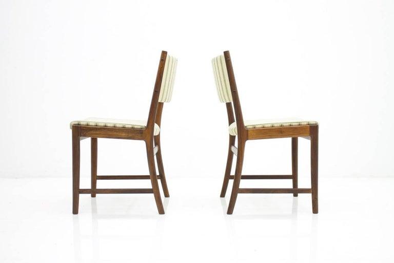 Scandinavian Modern Pair of Side Chairs by Kai Lyngfeldt-Larsen for Søren Willadsen, Denmark, 1960s For Sale