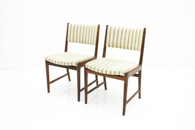 Mid-20th Century Pair of Side Chairs by Kai Lyngfeldt-Larsen for Søren Willadsen, Denmark, 1960s For Sale