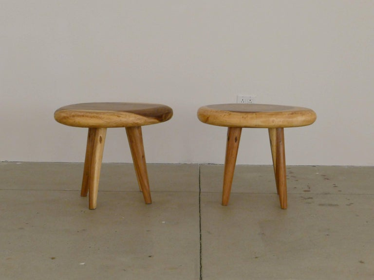 Mid-Century Modern Pair of Side Tables in Acacia For Sale
