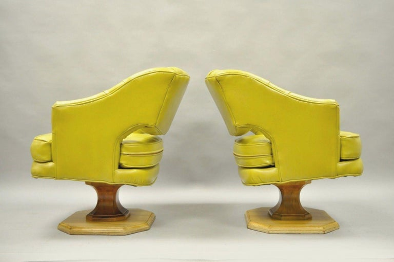 Pair of Silver Craft Green Yellow Swivel Club Lounge Chairs Mid-Century Modern A For Sale 4