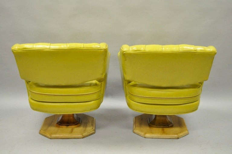 Pair of Silver Craft Green Yellow Swivel Club Lounge Chairs Mid-Century Modern A For Sale 1