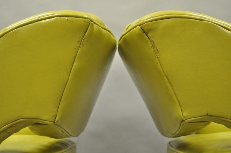 Pair of Silver Craft Green Yellow Swivel Club Lounge Chairs Mid-Century Modern A For Sale 3