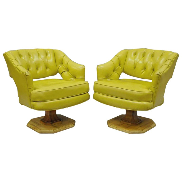 Pair of Silver Craft Green Yellow Swivel Club Lounge Chairs Mid-Century Modern A For Sale