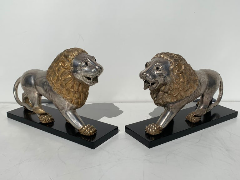 Anglo-Indian Pair of Silvered Brass Anglo Indian Lion Sculptures Bookends For Sale