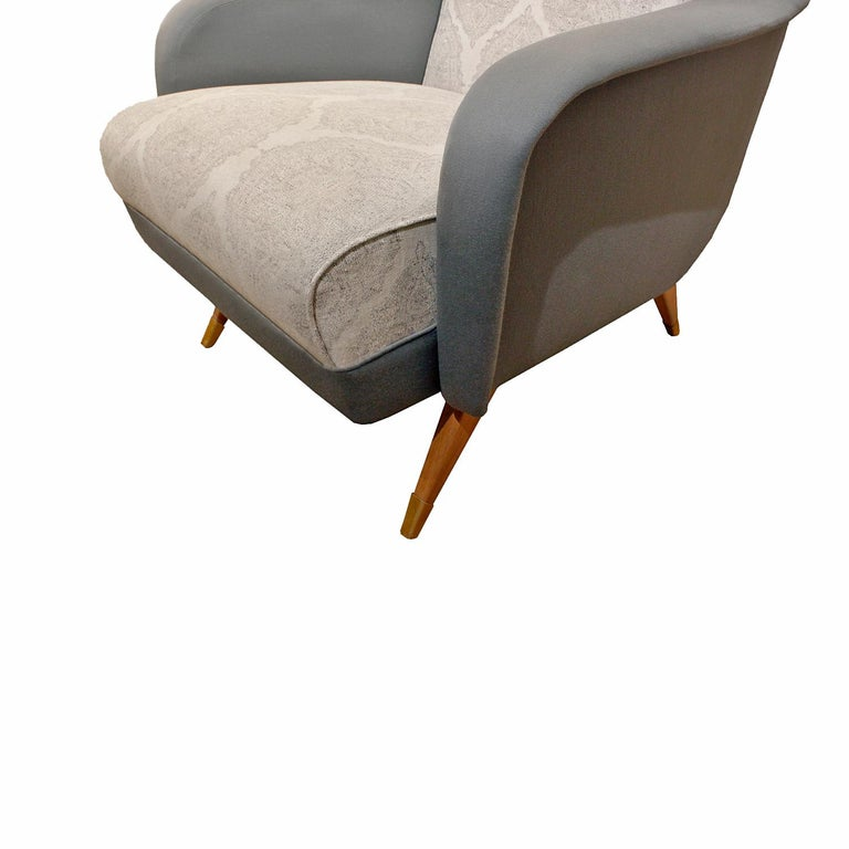 Mid-20th Century Pair of Sleek Italian Lounge Chairs, 1950s For Sale
