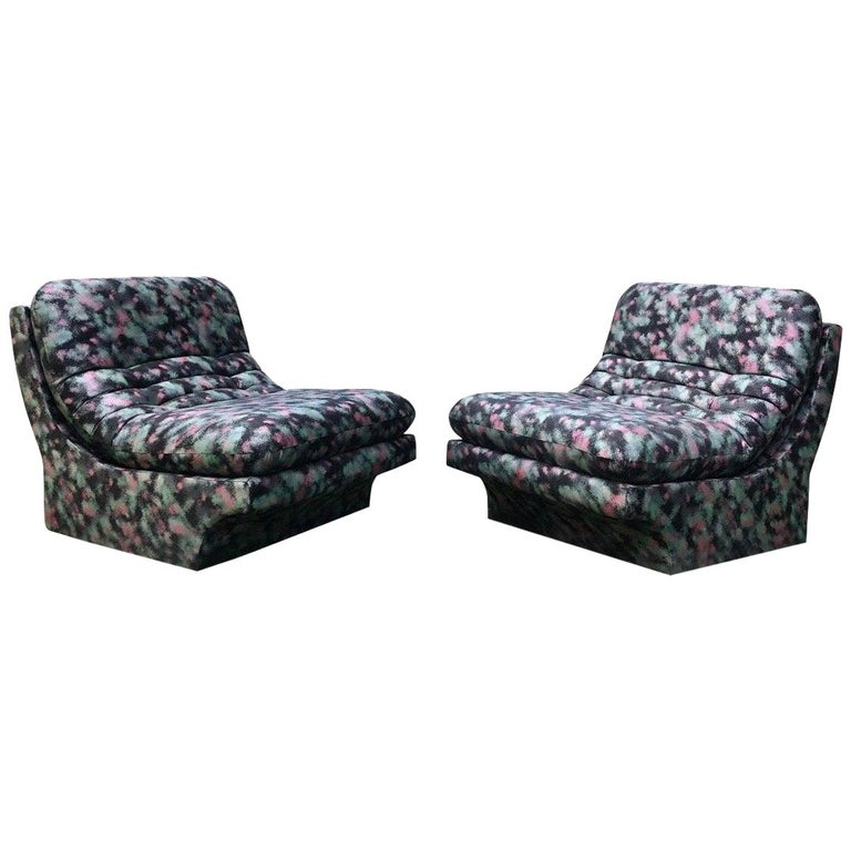 Pair of Sleek Slipper Lounge Chairs Mid-Century Modern For Sale