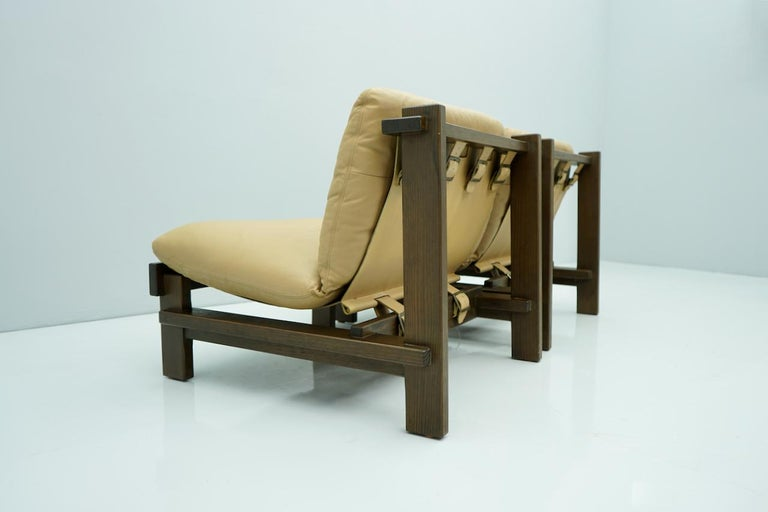 Scandinavian Modern Pair of Slipper Chairs, Carl Straub Denmark 1960s in Oak and Light Brown Leather For Sale