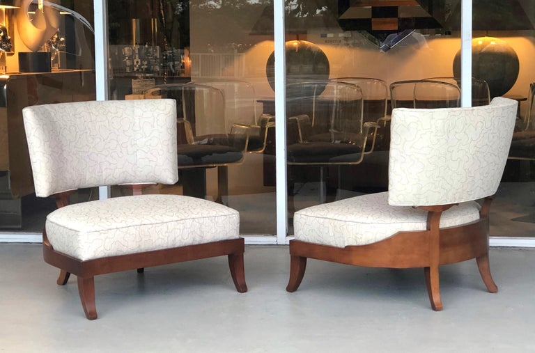 American Pair of Slipper Lounge Klismos Chairs by Baker For Sale