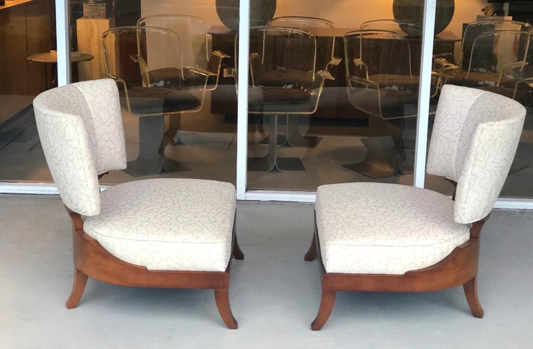 Pair of Slipper Lounge Klismos Chairs by Baker In Good Condition For Sale In Miami, FL