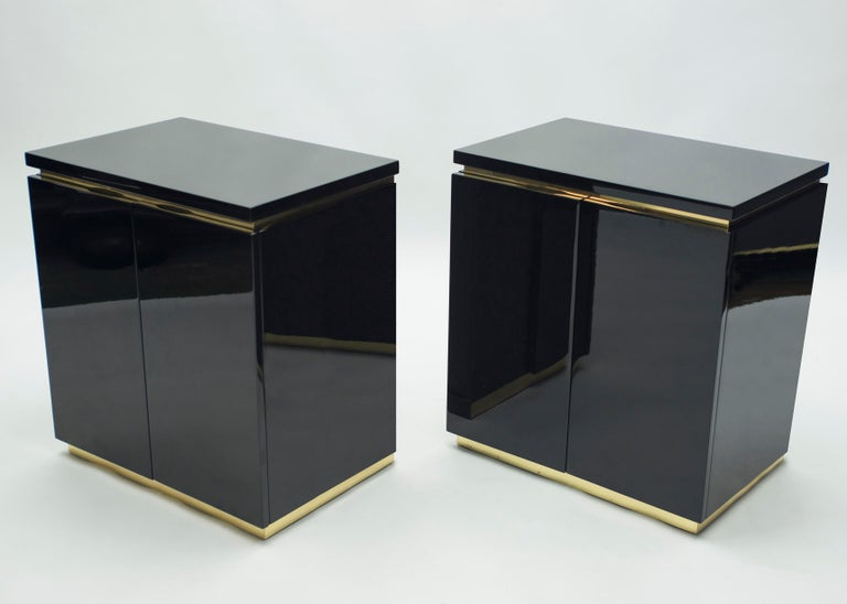 Mid-Century Modern Pair of Small Black Lacquer Cabinets Nightstands by J.C. Mahey, 1970s For Sale