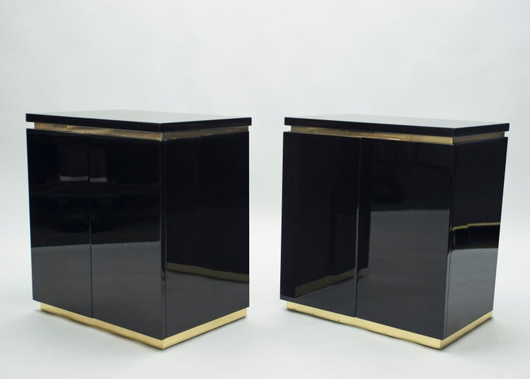 Pair of Small Black Lacquer Cabinets Nightstands by J.C. Mahey, 1970s In Good Condition For Sale In Paris, FR