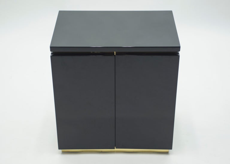 Pair of Small Black Lacquer Cabinets Nightstands by J.C. Mahey, 1970s For Sale 3