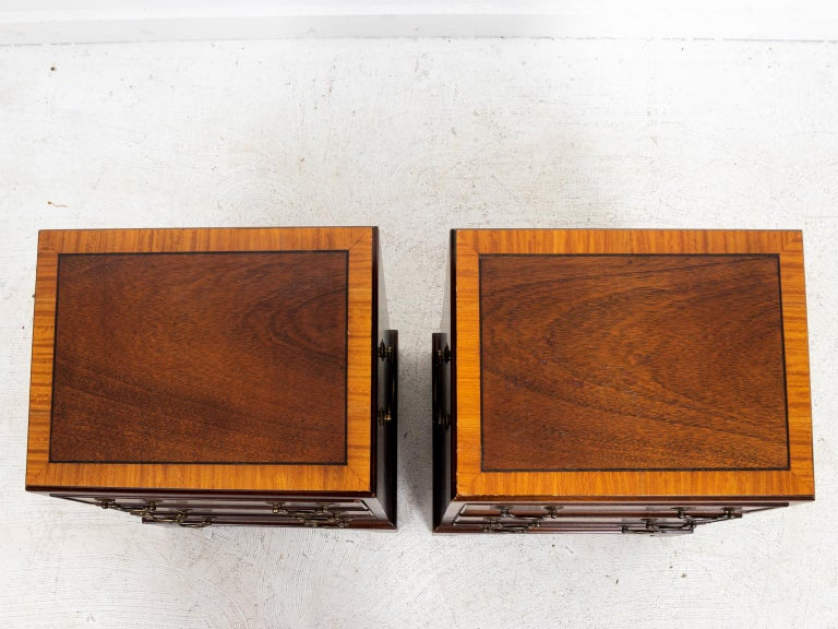 Pair of Small Mahogany Three-Tier Chest of Drawers In Good Condition For Sale In Stamford, CT