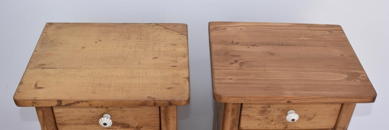 Polished Pair of Small Pine Nightstands For Sale