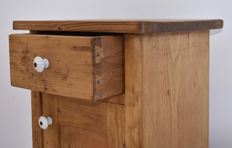 Pair of Small Pine Nightstands For Sale 2