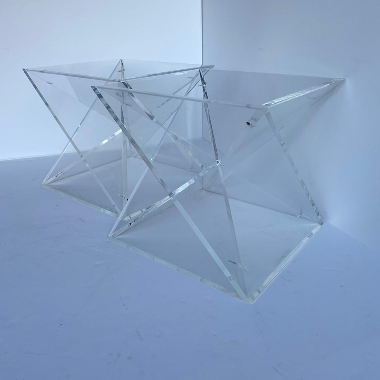 20th Century Pair of Small Square Mid-Century Modern Lucite Side Table Bases For Sale