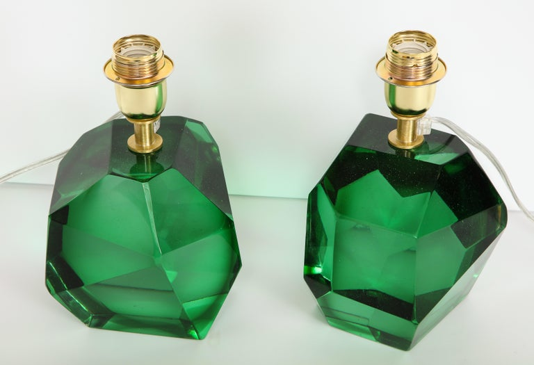Pair of Solid Emerald Green Jewel Murano Glass Lamps, Italy In New Condition For Sale In New York, NY