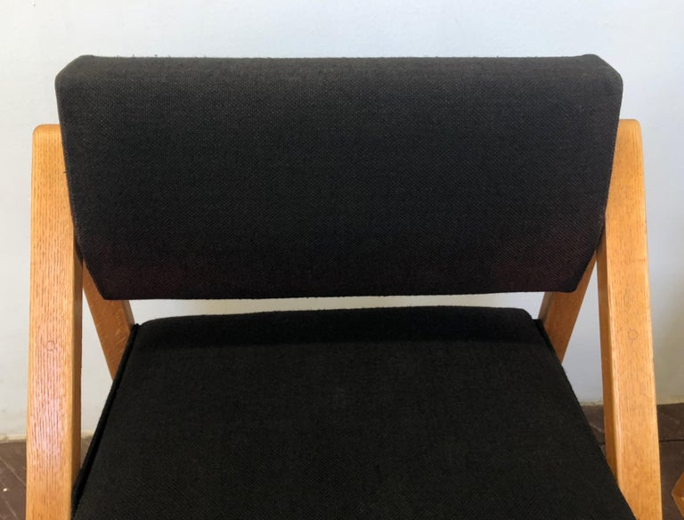 Pair of Solid Oak Lounge Chairs, France, circa 1965 In Good Condition For Sale In Jersey City, NJ