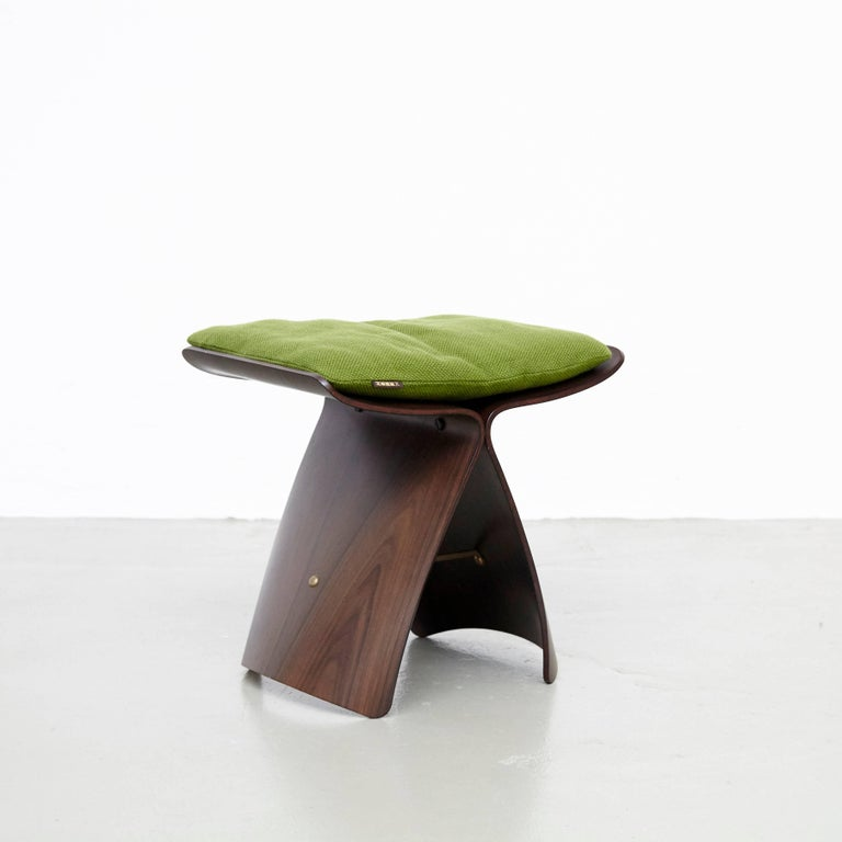 Mid-Century Modern Pair of Sori Yanagi Butterfly Stools For Sale