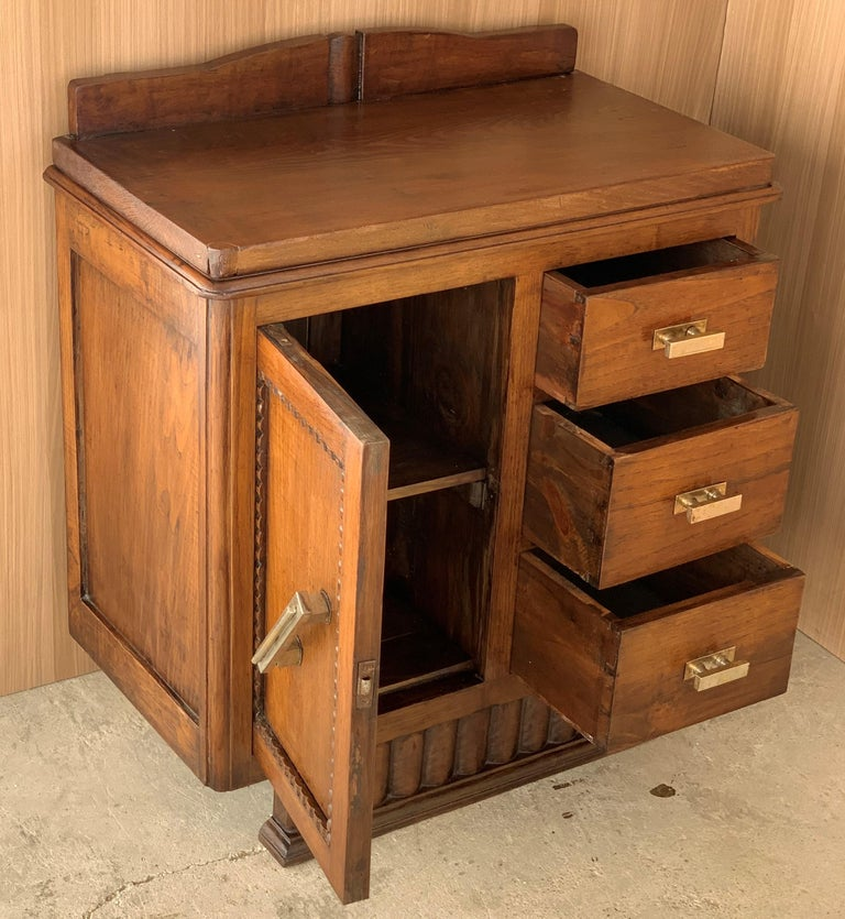 Pair of Spanish Art Deco Heavily Hand Carved Bedside Tables Nightstands, 1920s For Sale 1