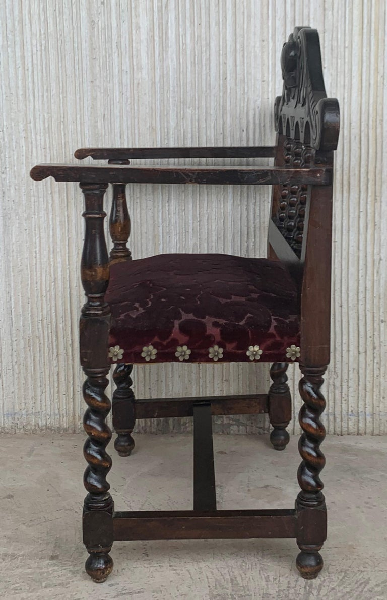 Pair of Spanish Early 18th Century Period Walnut and Upholstered Armchairs For Sale 1