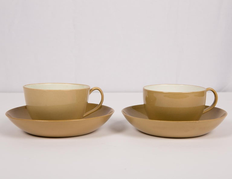 Early 19th Century Pair of Spode Drabware Cups and Saucers For Sale