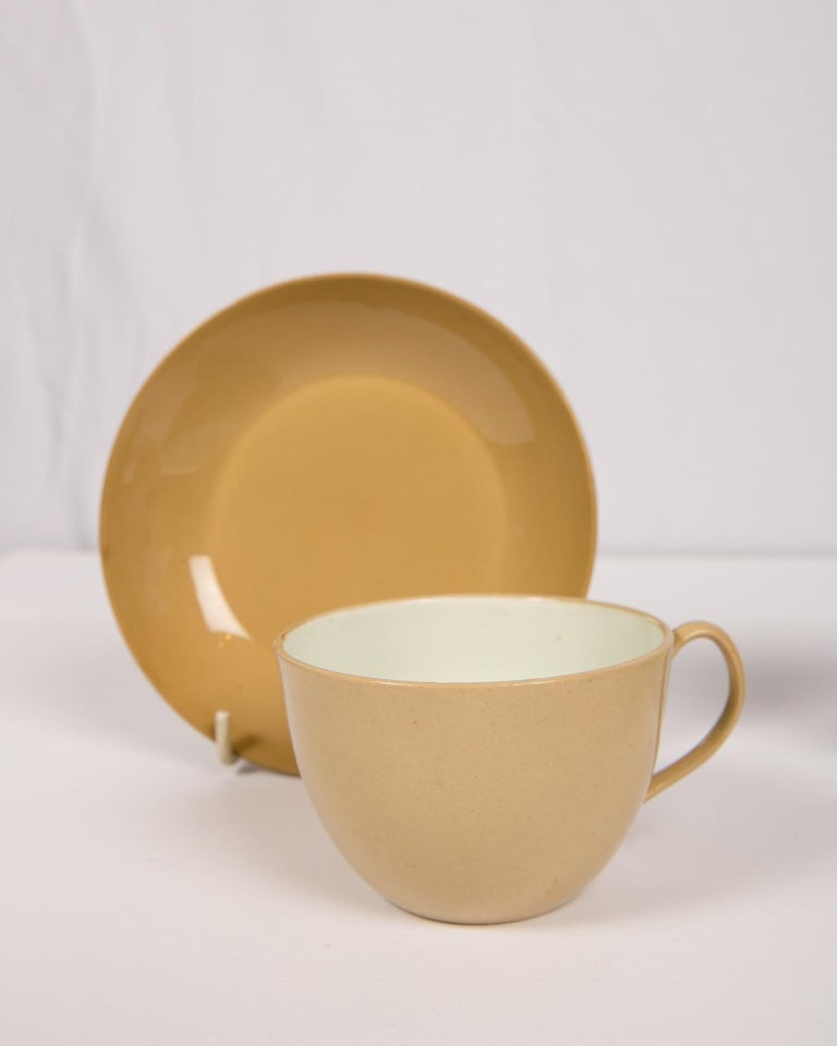 Pair of Spode Drabware Cups and Saucers For Sale 1