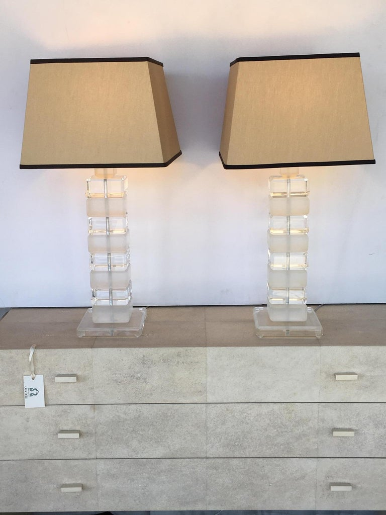 Pair of Square Lucite Table Lamps For Sale 1