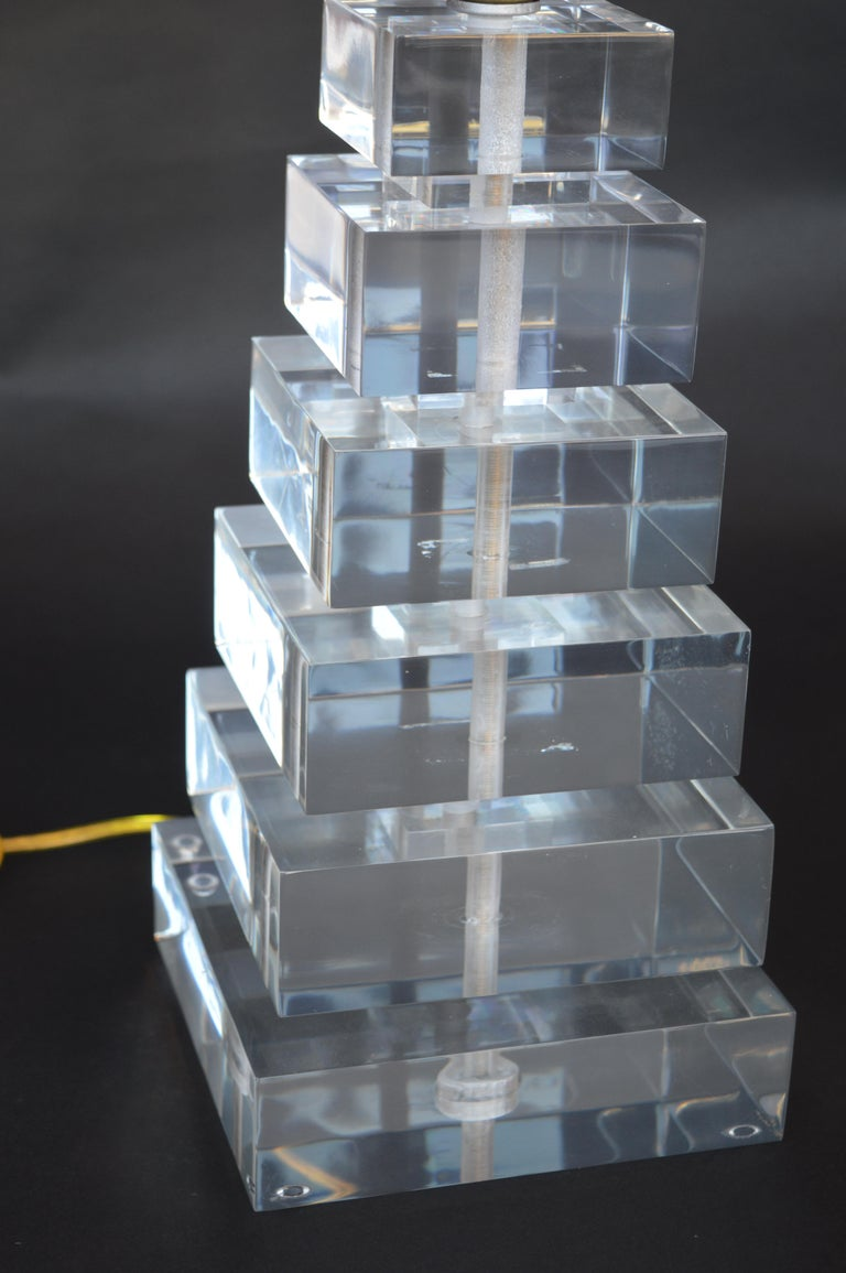 20th Century Pair of Square Stacked Acrylic Lamps For Sale