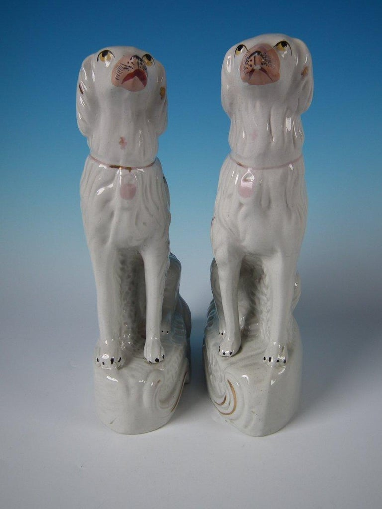 English Pair of Staffordshire Pottery Irish Setters For Sale