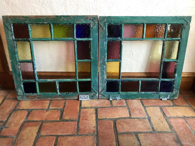 Pair of Stained Glass Windows In Good Condition For Sale In Redding, CT