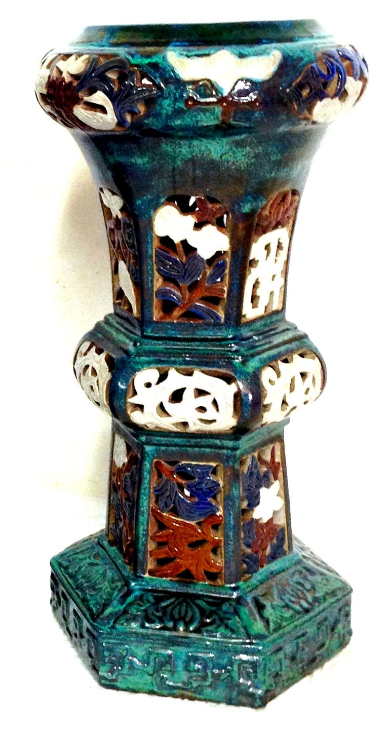 Contemporary Pair Of Statuesque Ceramic Glaze Chinese Export Garden Pedestal Plant Stands For Sale