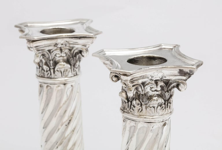 Pair of Sterling Silver Neoclassical Corinthian Column Candlesticks In Good Condition For Sale In New York, NY