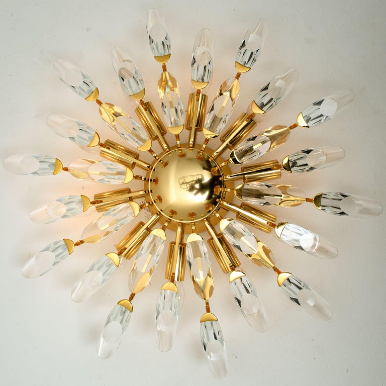 Hollywood Regency Pair of Stilkronen Crystal and Gilded Brass Italian Flush Mount Sconces For Sale