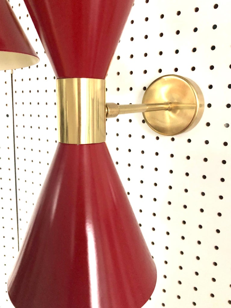 Pair of Stilnovo Red and White Enameled Aluminum with Brass Accents Sconces For Sale 11