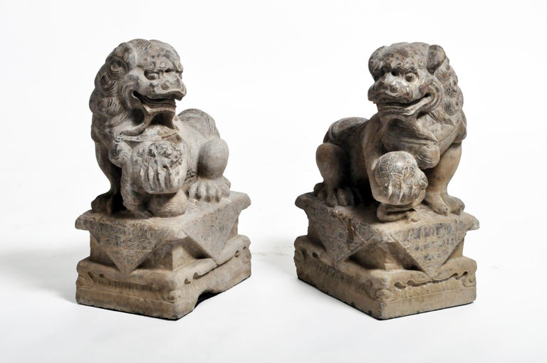 Pair of Stone Carved Fu Dog Pedestal For Sale 9