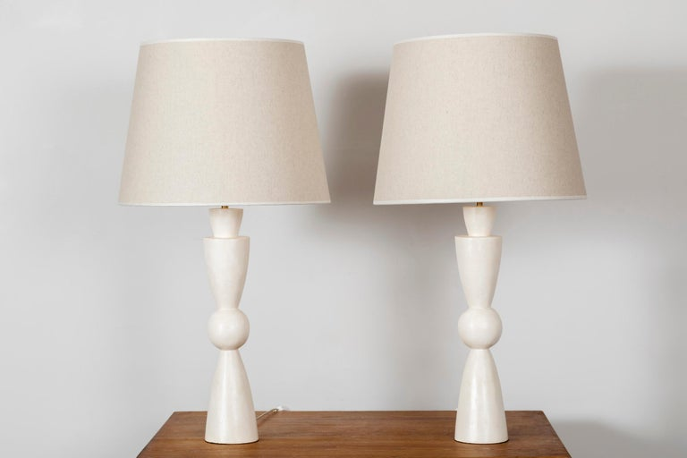 Mid-Century Modern Pair of Stuccoed Plaster Lamps Inspired by Jean-Michel Frank For Sale