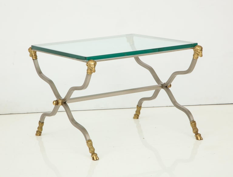 20th Century Pair of Stylish Brass End Tables For Sale