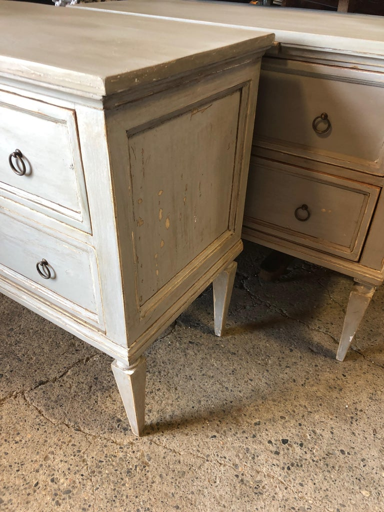 Pair 19th Century Swedish Gustavian Painted Wood Chests on Tapered Legs In Good Condition For Sale In Hopewell, NJ