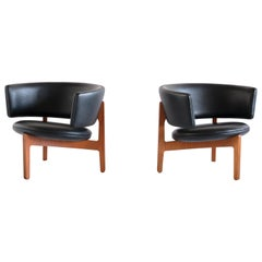 Pair of Sven Ellekaer Three Legged Lounge Chairs, Chr. Linneberg, Denmark, 1962