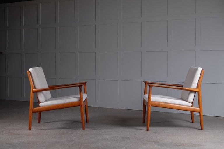 Scandinavian Modern Pair of Svend Aage Eriksen Easy Chairs, Denmark, 1960s For Sale