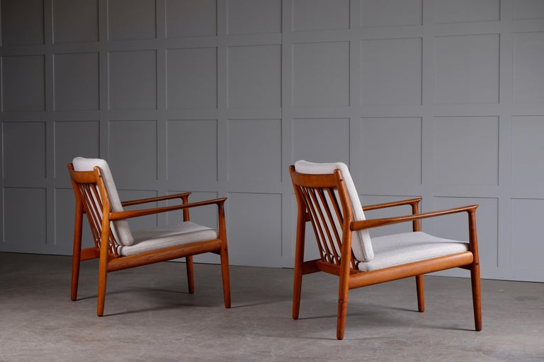 Pair of Svend Aage Eriksen Easy Chairs, Denmark, 1960s For Sale 2