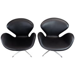 Pair of Swan Chairs, Model 3320, Designed by Arne Jacobsen in 1958