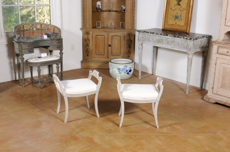 Carved Pair of Swedish 1860s Neoclassical Style Grey Painted Benches with New Fabric For Sale