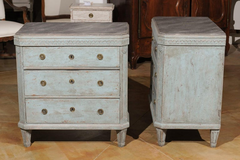 Pair of Swedish 19th Century Gustavian Style Painted Chests with Waterleaf Motif For Sale 6