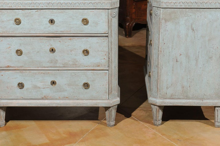 Pair of Swedish 19th Century Gustavian Style Painted Chests with Waterleaf Motif For Sale 7