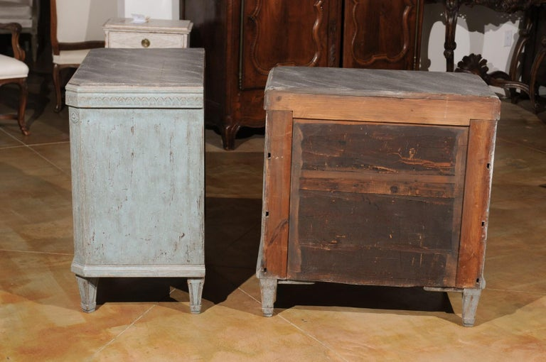 Pair of Swedish 19th Century Gustavian Style Painted Chests with Waterleaf Motif For Sale 5